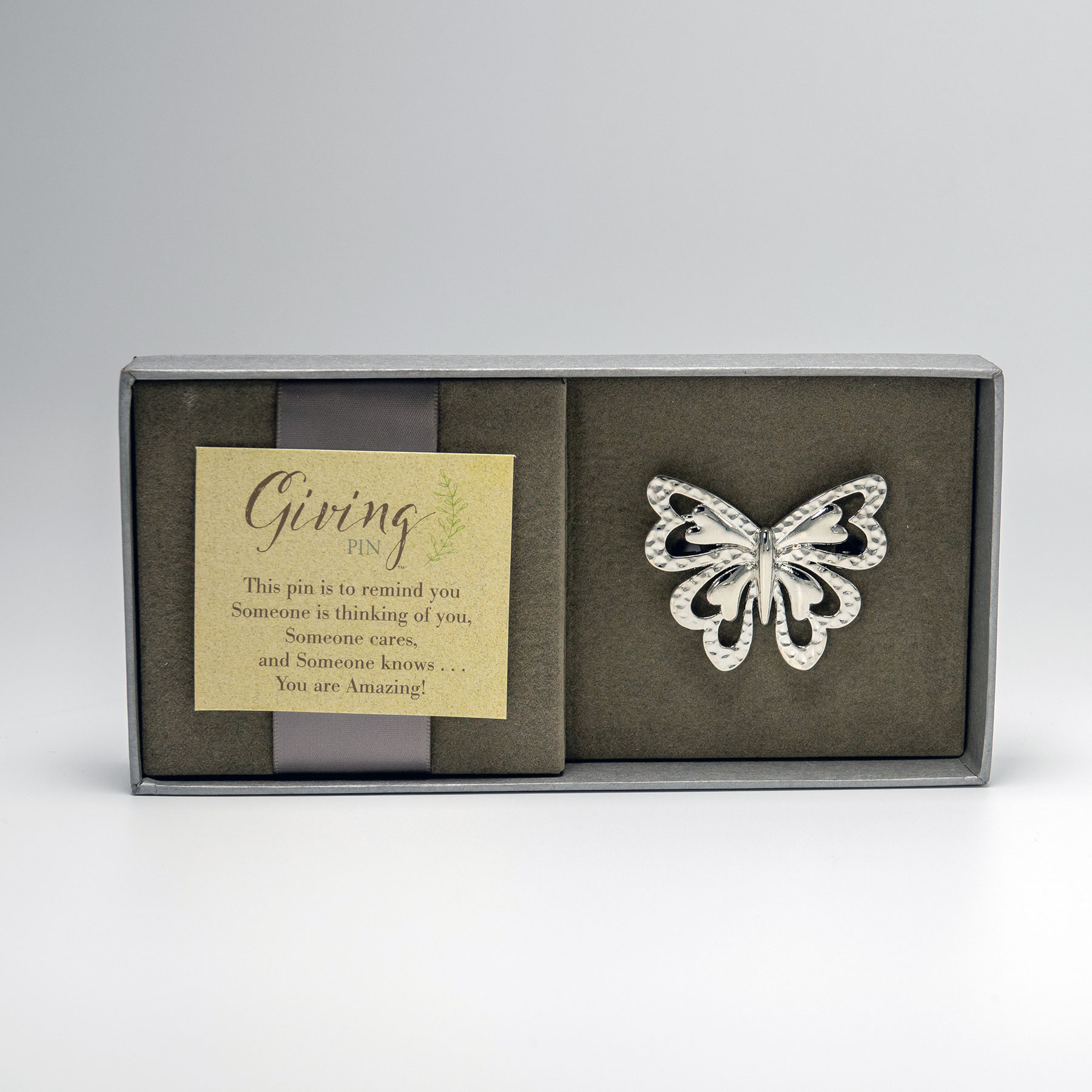 Giving-Pin_02-lr