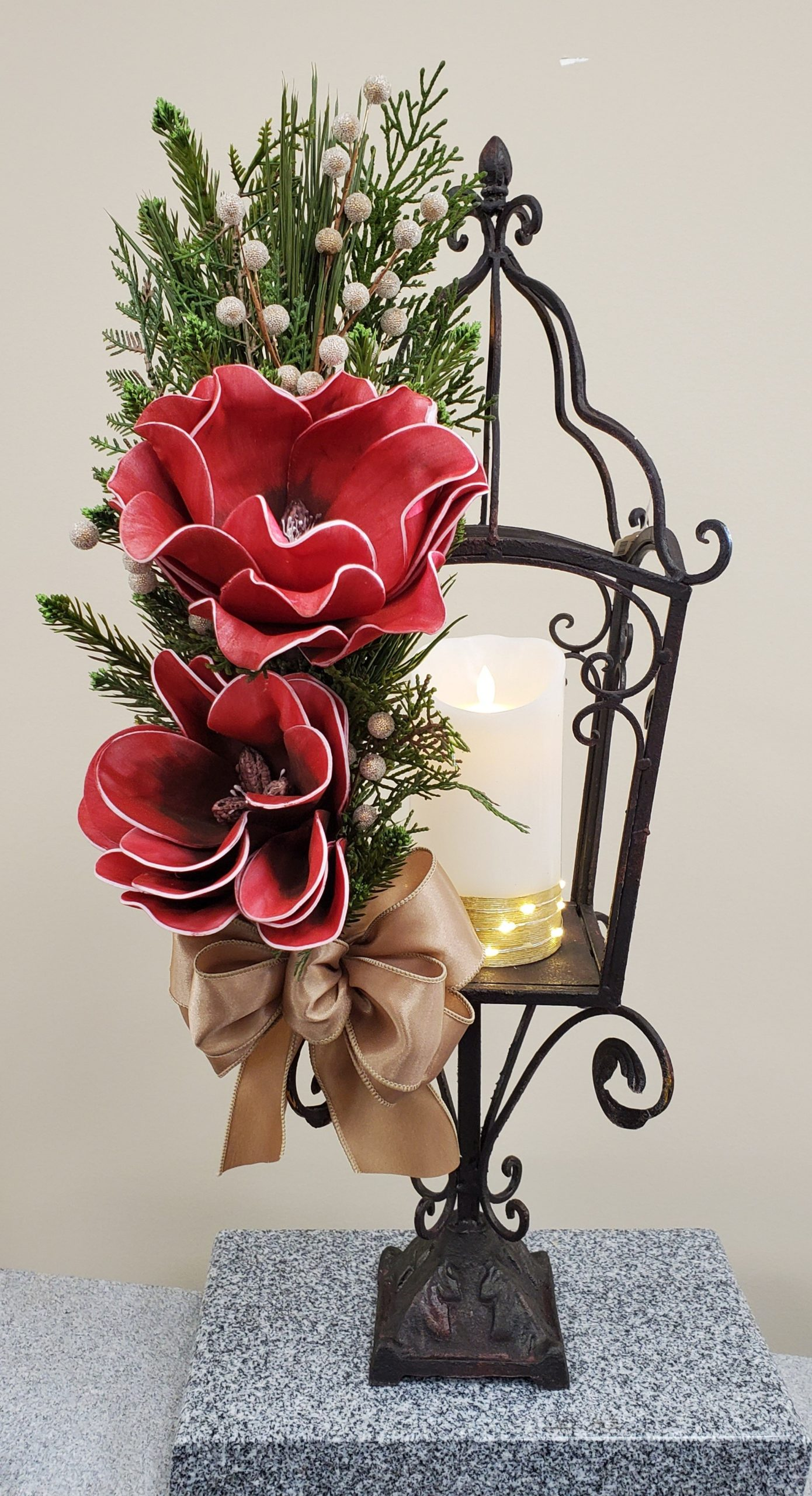red flower gas lamp