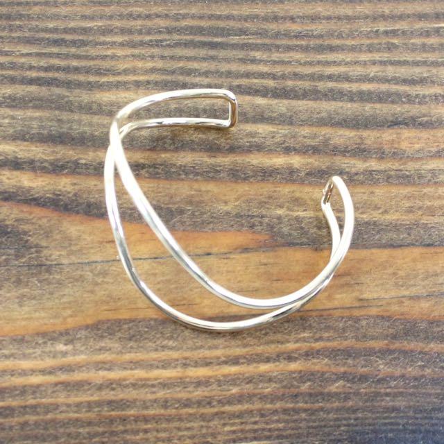 b19049-01 gold cuff